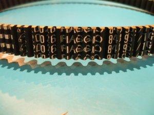 画像2: ピアジオ純正クォーサーエンジン用ドライブベルト