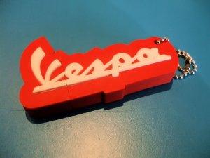 画像3: VESPA純正USBメモリー(2GB)